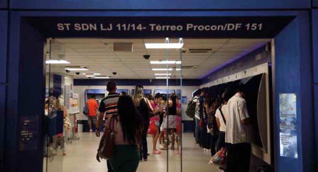 Postos da Caixa Econômica  registraram aglomerações / Agência Brasil